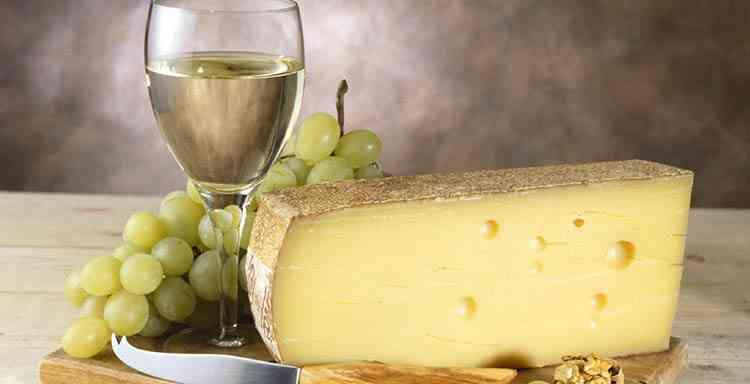 Какое белое вино подойдет к сыру