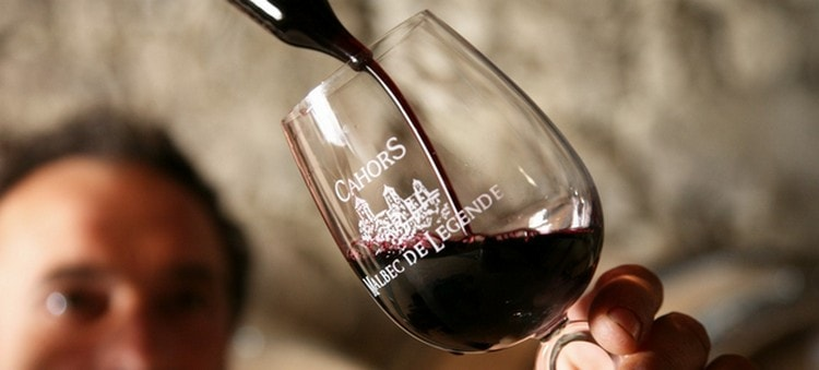Вино кагор обладает рядом полезных свойств.