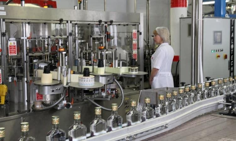 Производитель водки Путинка это Московский завод Кристалл.