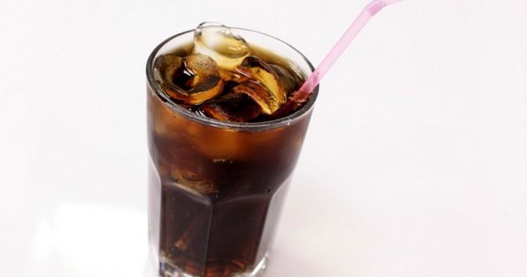 Узнайте, как называется коктейль водка с колой.