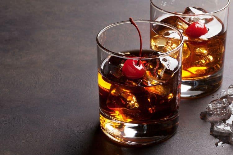 Можно также делать коктейли из водки с пепси.