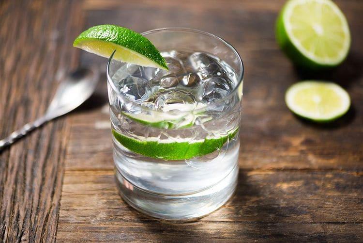 Узнайте простой рецепт приготовления водки с тоником.
