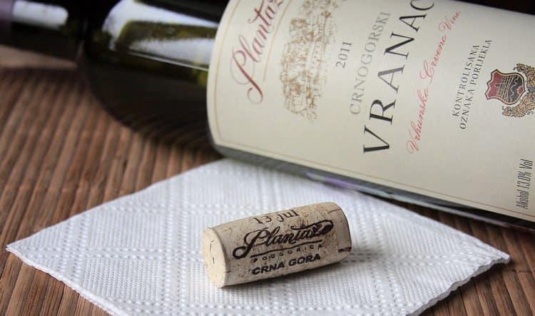 Производителем вина вранац может быть Черногория, Сербия.