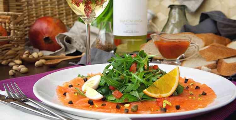 Закуски в виде заливной рыбы для вина