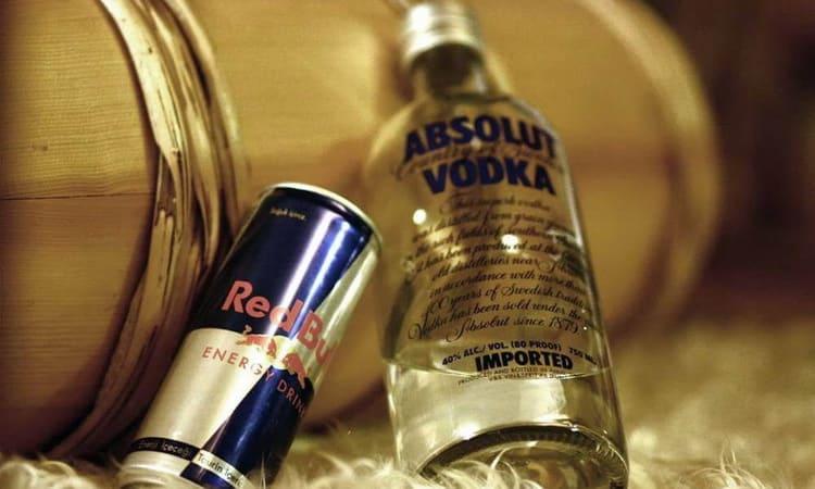 какие преимущества у коктейля водки с редбулом