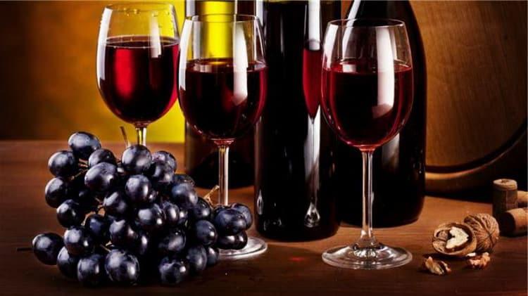 С какими продуктами сочетается вино