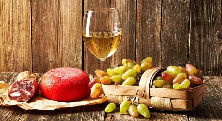 С какими продуктами сочетается вино Soave