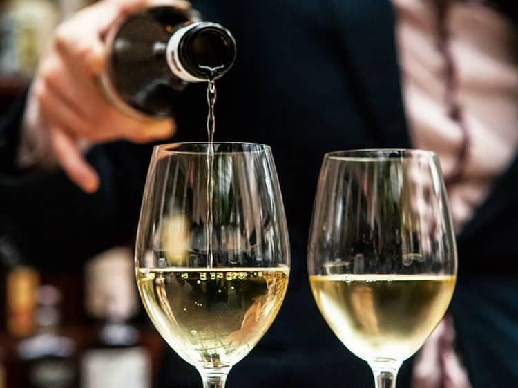 Белое сухое  вино из новой зеландии: правила подачи