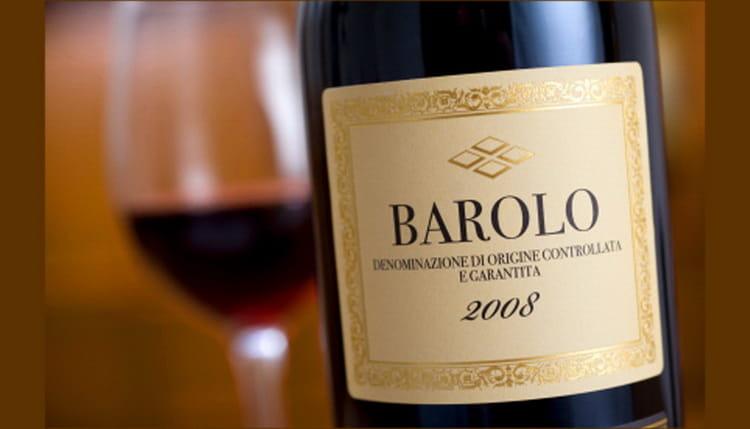 Как в Италии принято подавать вино бароло