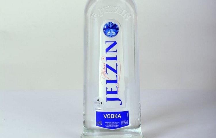Водка Jelzin производится во Франции и отличается премиально высоким качеством.