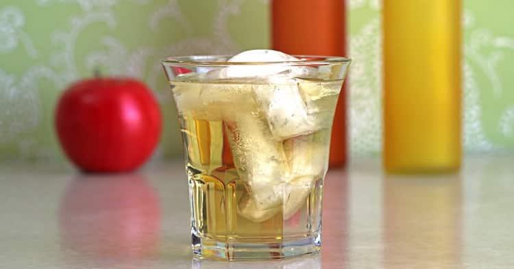 Как готовится водка с яблочным соком
