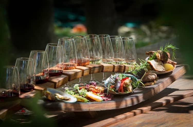 Как и с чем подавать болгарское вино