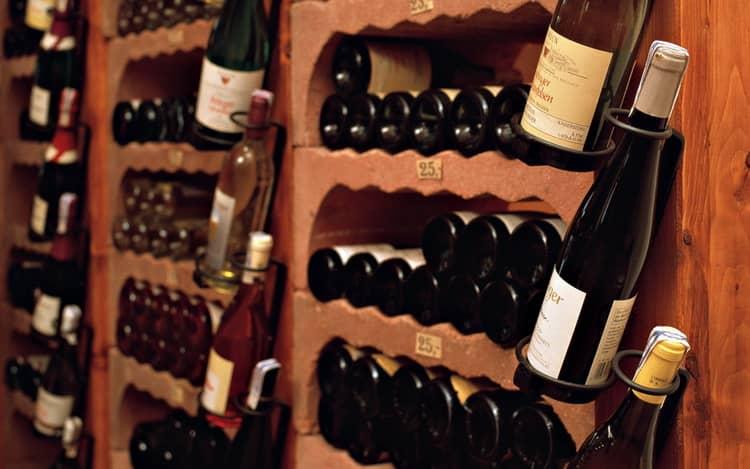 В какой таре правильно хранить вино