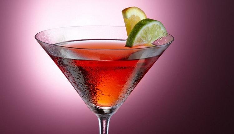 Космополитен женский алкогольный коктейл