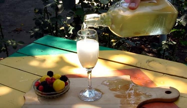 Вот мы и рассказали, как сделать шампанское.