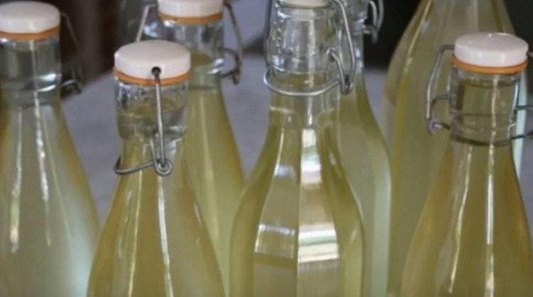 Узнайте также, как хранить шампанское в домашних условиях.