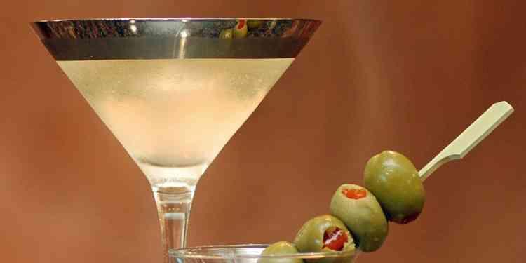Мужская версия Коктейль Грязный мартини