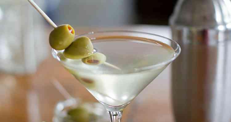 Коктейль Грязный мартини тонкости приготовления напитка