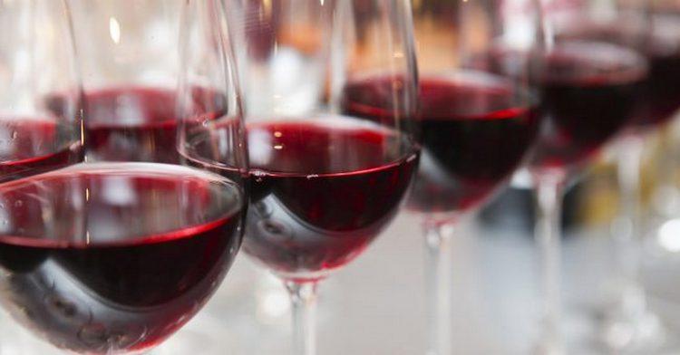 Поговорим о том, как влияет красное вино на давление.