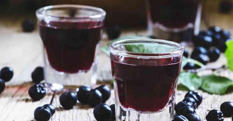 Ликер из черноплодной рябины рецепт первый