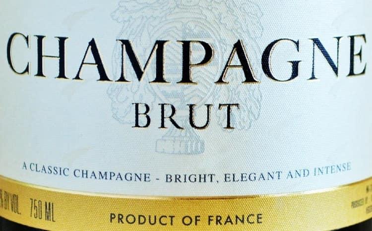 Что подают к шампанскому на закуску
