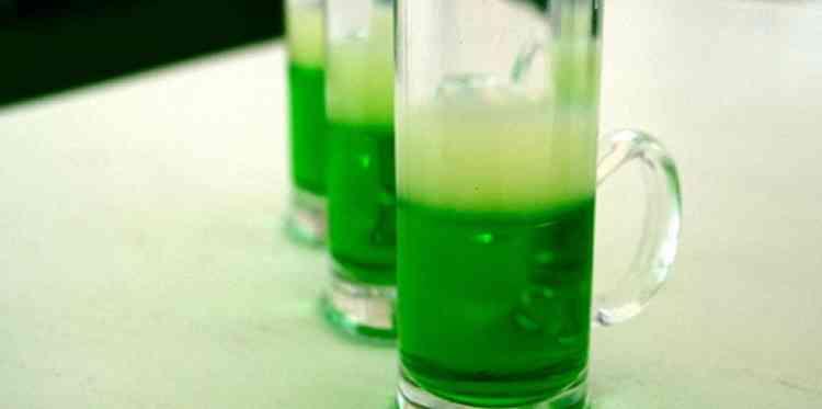 Зеленое вино в составе коктейлей