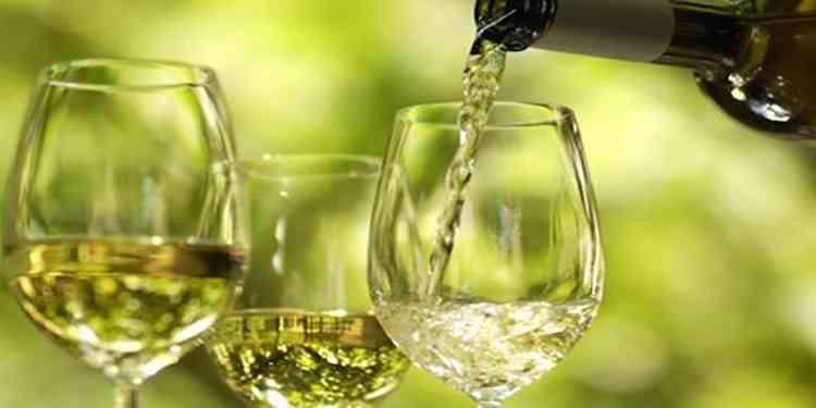 Зеленое вино как подавать напиток