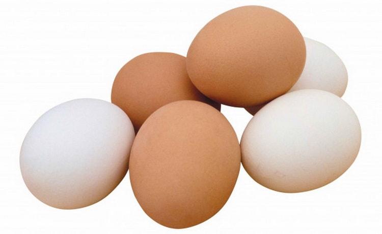 Очищение самогона яйцами