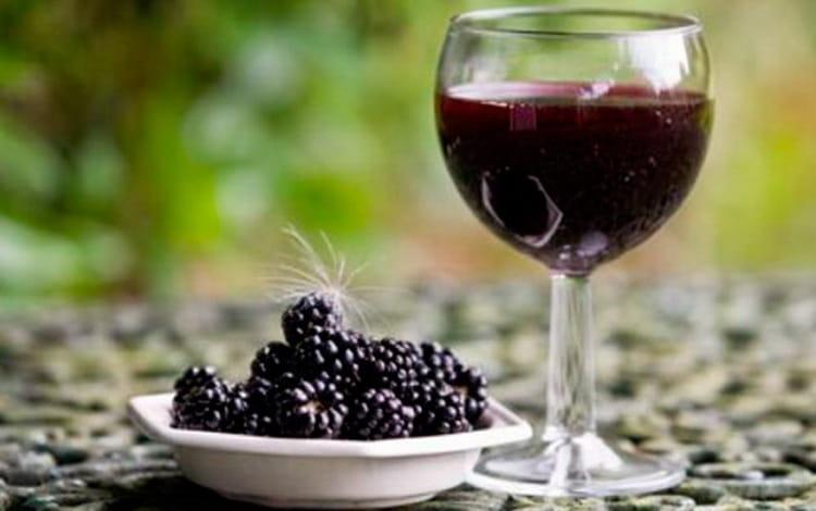Особенности ежевичного вина