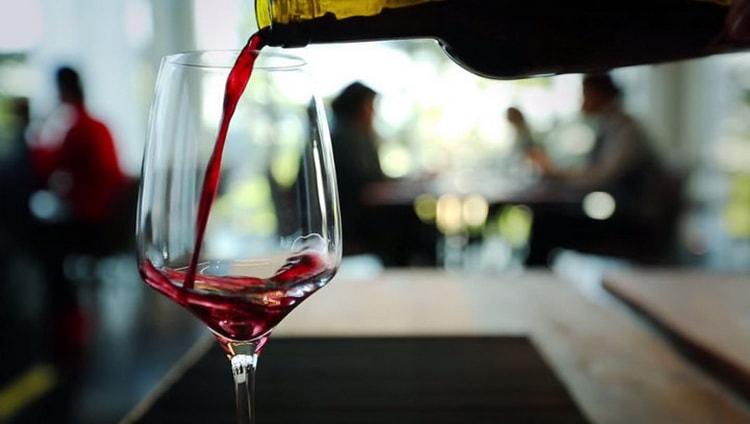 Все о том  как отличить вино от подделки