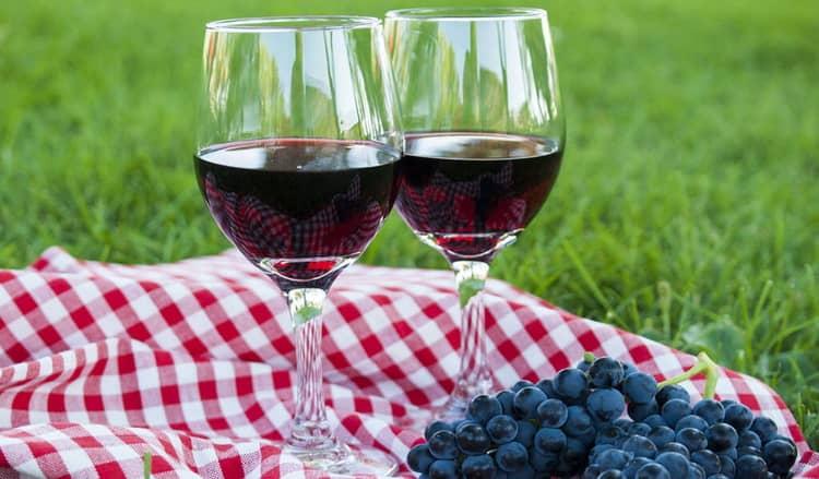 Как подавать вино киндзмараули грузия