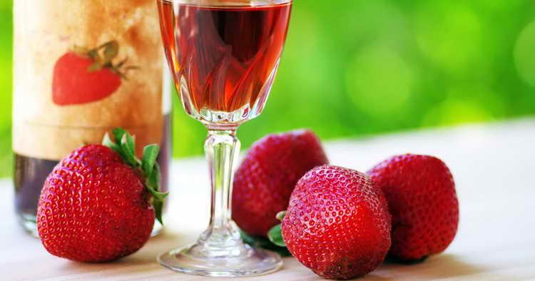 Рецепт вина из клубничного варенья