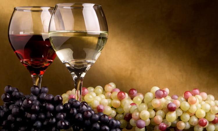 можно ли мешать красное и белое вино