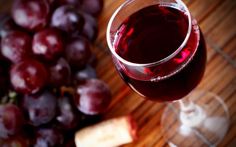 Вкусное сухое красное вино