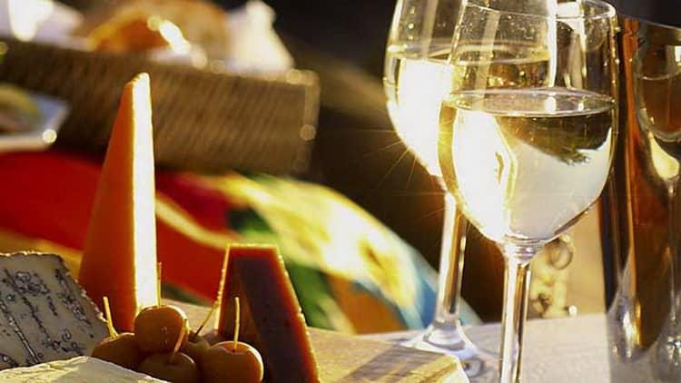 с какими продуктами сочетается итальянские полусладкие вино