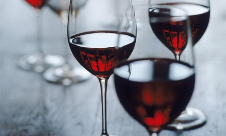 Особенности красного сухого вина