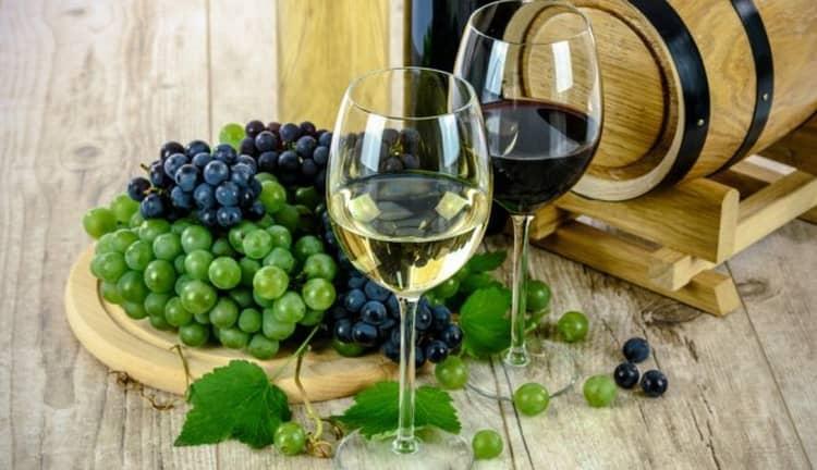 Вкусное вино мальвазия