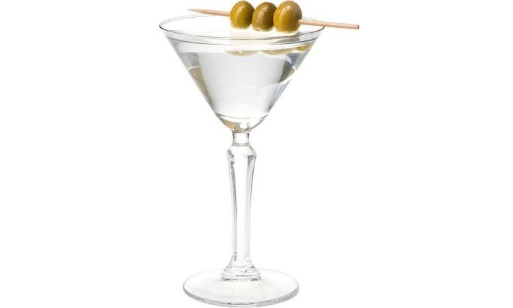 Классический коктейль мартини с водкой
