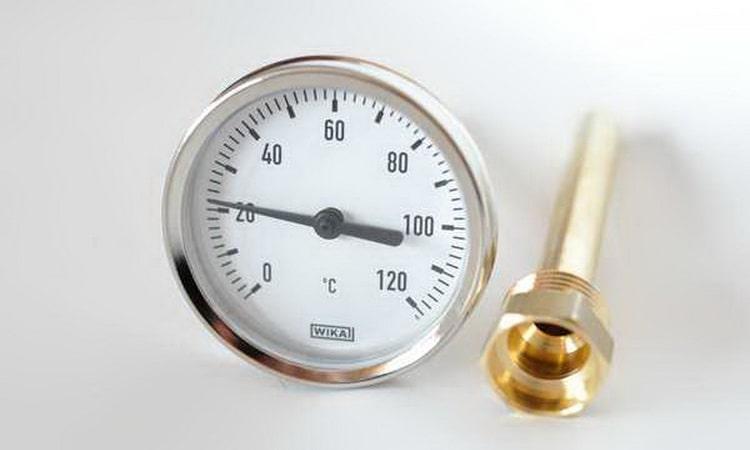 как установить термометр в самогонный аппарат