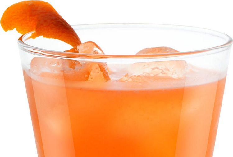 Отлично сочетается гренадин и с соками цитрусовых в коктейлях.
