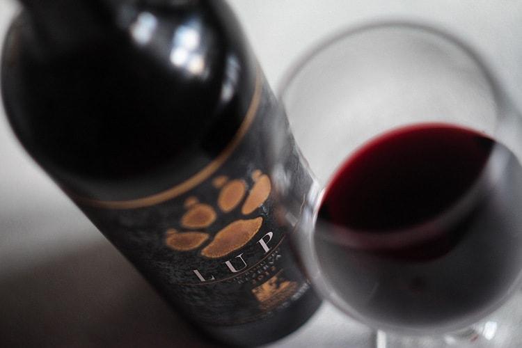 А вот еще одно дорогое вино, которое производится в Молдавии.
