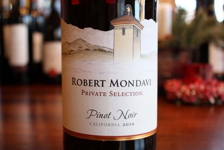 Как подавать вино пино-нуар