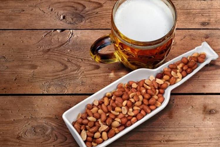 К такому дорогому напитку стоит подобрать правильную закуску.