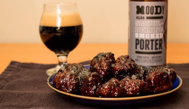 Сорт пива портер прекрасно сочетается с мясными блюдами.