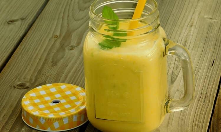 коктейль водка, молоко и мед