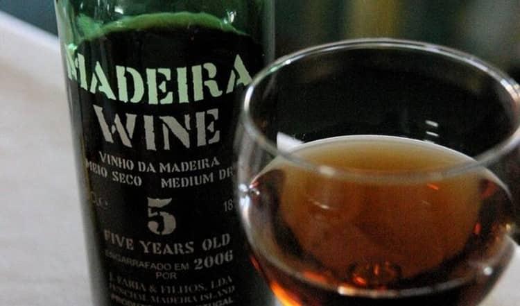 Покупая вино из Португалии, обязательно обращайте внимание на маркировку бутылки.