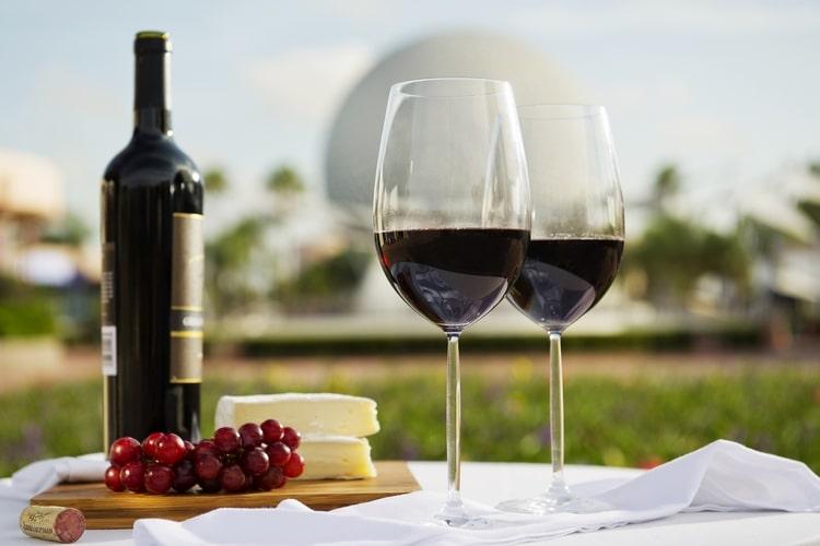 Узнайте, что означает маркировка вино верде Португалия.