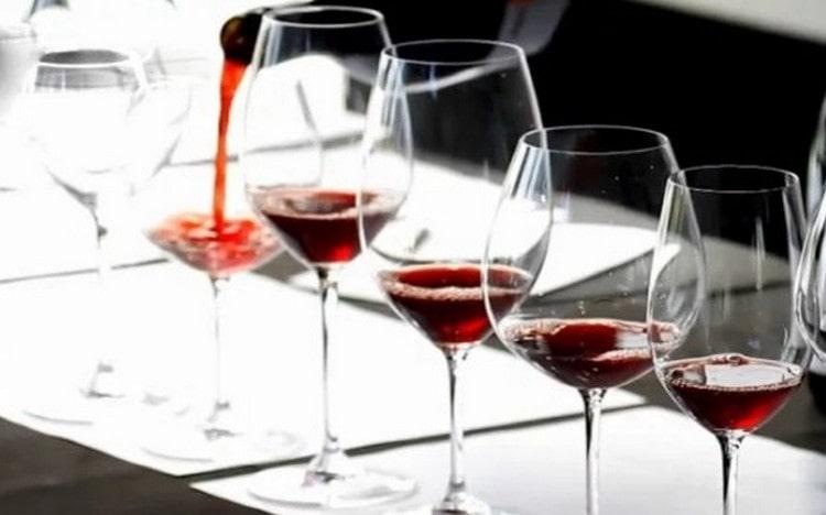 Поговорим о том, с чем пьют вино.