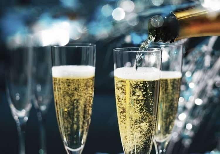 Как подавать Советское шампанское