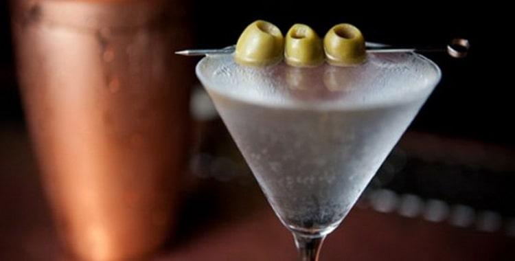 Рецепты приготовления коктейля Сухой мартини